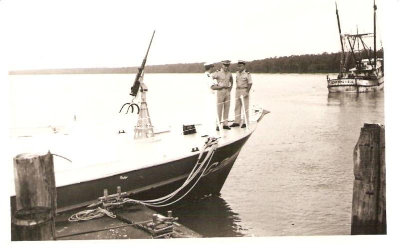 [ Divers Gendarmerie Maritime ] 1977 - Création de la brigade de gendarmerie maritime à Cayenne. P_781_10