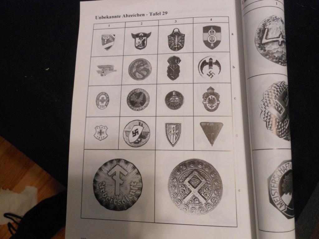Identification badge allemand ww2 (luftwaffe?) Abook10