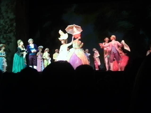 [Comédie Musicale] Mozart l'Opéra Rock - Page 2 Pict0510