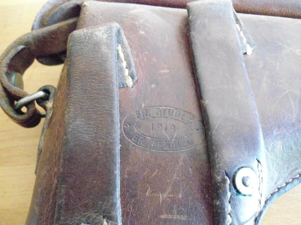 Les étuis militaires suisses pour les Luger 1900 de la DWM Gaines20