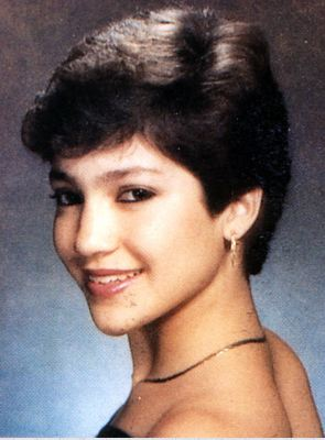 10 Celebrity Yearbook Photos that Will Make You Smile 07-jen10