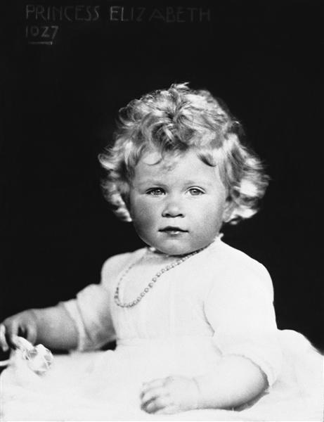 Queen Elizabeth II celebrates 85th birthday (21 Apr 2011) 39713_10
