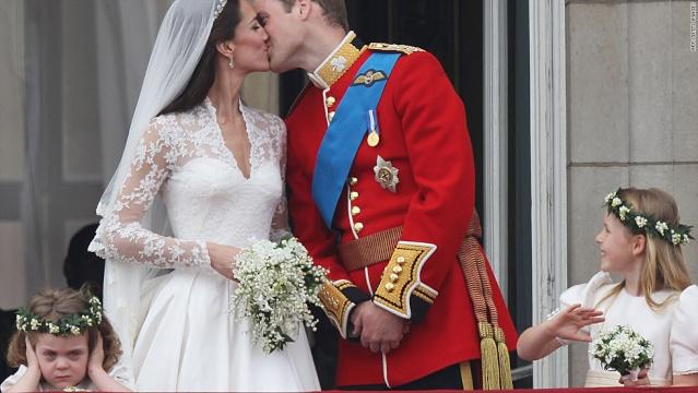 Royal wedding Oops..... Lg_t1l10