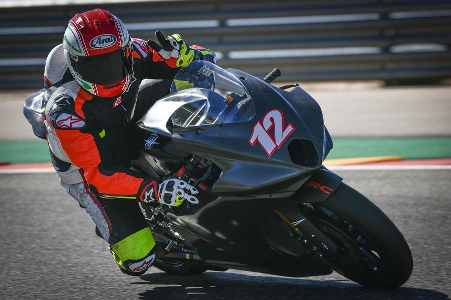 [Moto2] Triumph nouveau fournisseur moteur - Page 6 Mv-agu10