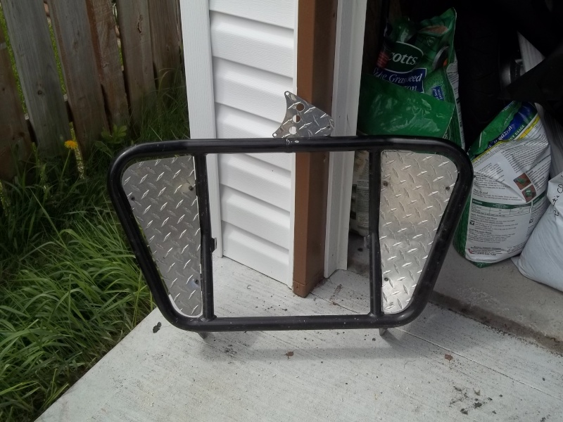 SOLD *** Unique black powdercoated engine guard for 1500 100_0212
