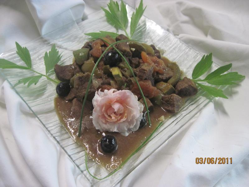 Bourguignon aux trio de légumes et sauce massalé Bourgu11