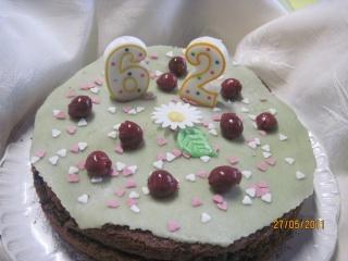 gâteau au chocolat et cerises griottes,photos. Gateau15