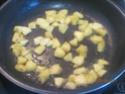 omelette aux de dés de  pommes sucrées Cuisse23