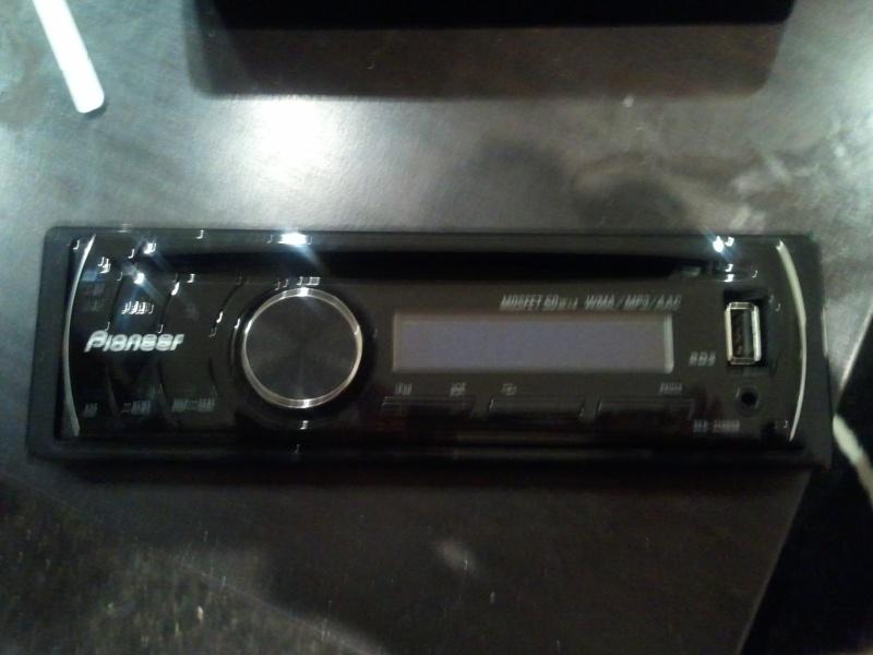 [VENDU] Autoradio Pioneer 3200Ub Photo024