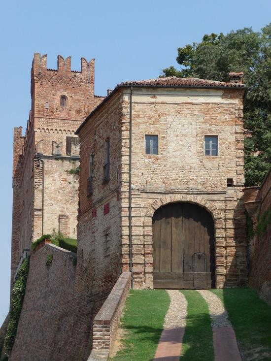 Moto Turismo: Monferrato da Asti al Castello di Moncucco