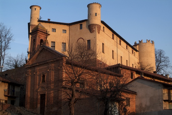 Monferrato: da Asti al Castello di Moncucco, girando fra le stradine delle terre vinicole Foto_c10