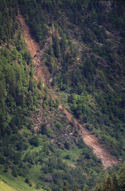 Eboulements et autres glissements dans la vallée Eboule10