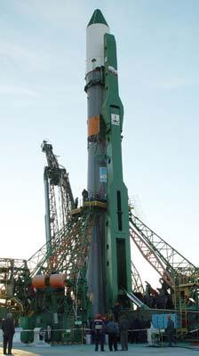 Lancement & amarrage du Progress M-11M  Soyuz-10