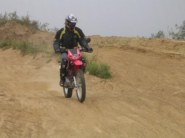 Les filles et la moto... Essai_10