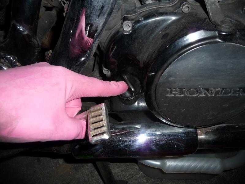 VTE 500 - Vidange moteur (comment et avec quels outils ?) P1010832