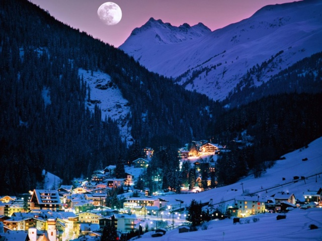 Land of the Moon  Ski_to11