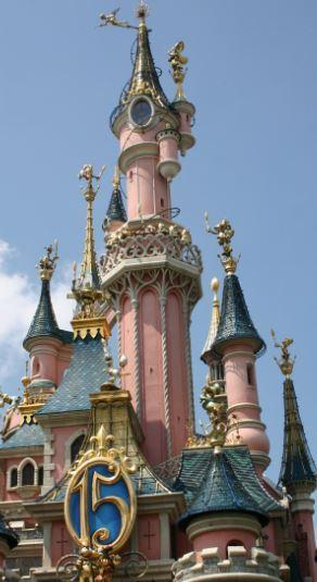 Connaissez vous bien Disneyland Paris? - Page 14 Captur32