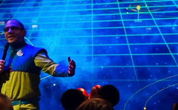Connaissez vous bien Disneyland Paris? - Page 38 Stitch10