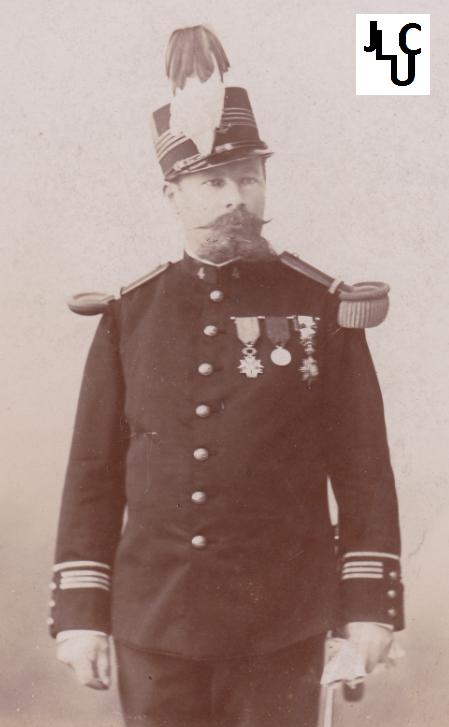 Tenues de l'Infanterie Coloniale par la photo, IIIème République 1893-1914 (Off) 01810