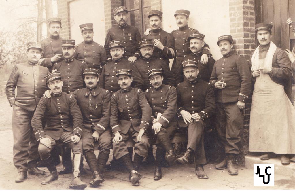Tenues de l'Infanterie Coloniale par la photo, IIIème République 1893-1914 (Off) 02310
