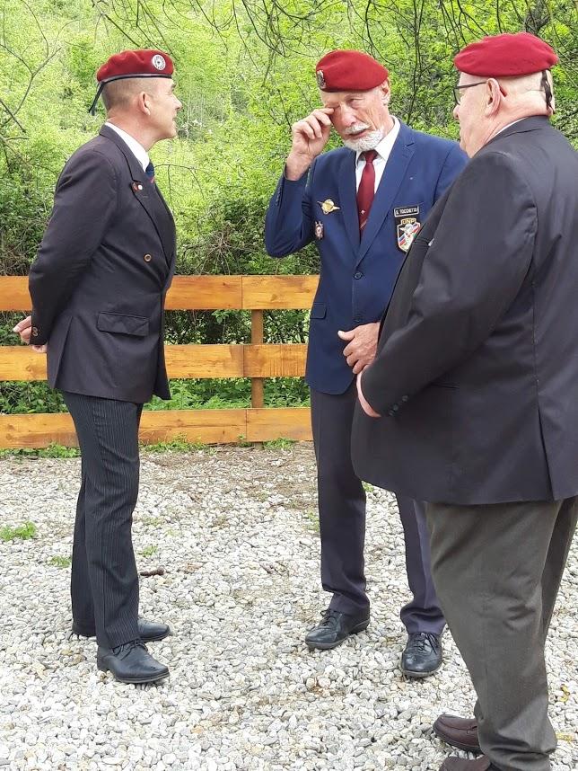 L'Union nationale des parachutistes a honoré Roger Cathala 20190513