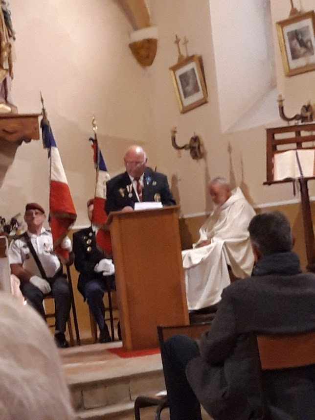 L'Union nationale des parachutistes a honoré Roger Cathala 20190515