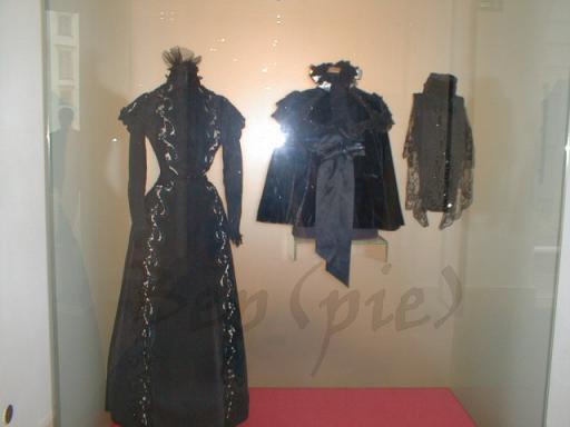 Robe de l'impératrice Elisabeth d'Autriche ( Sissi ) 39492510