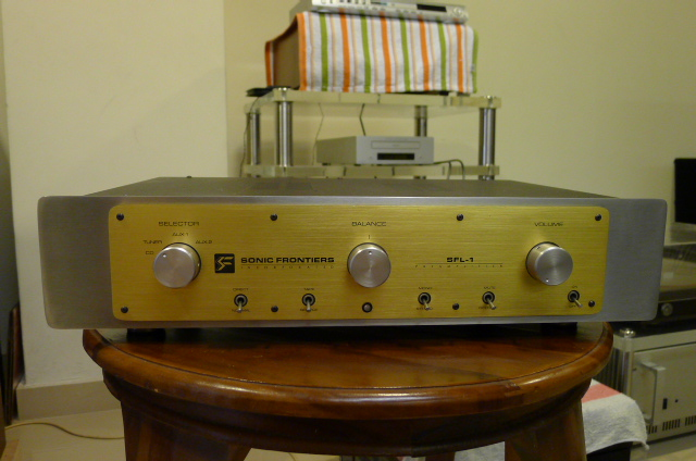 Sonic Frontiers SFL-1 Valve Preamplifier (Used) SOLD P1140710