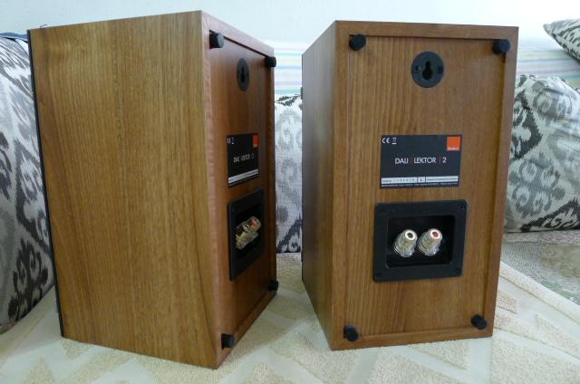 Dali Lektor 2 Bookshelf Speakers (Used) SOLD P1150038