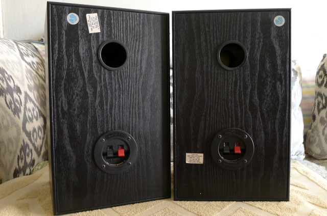 Infinity SM65 Bookshelf Speakers (Used) SOLD P1150137