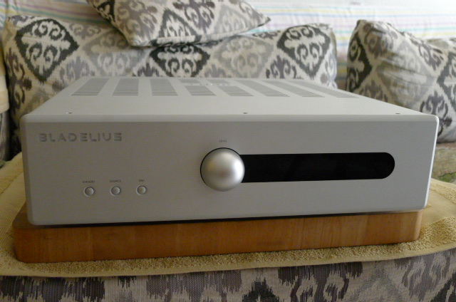 Bladelius Thor Mk III Integrated Amplifier (Used) SOLD P1150146