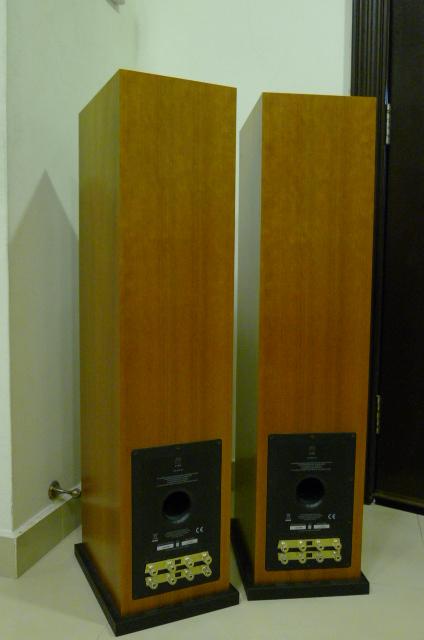 Linn Majik 140 Floorstander Speakers (Used) SOLD P1150527