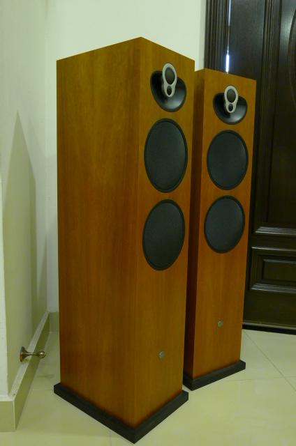 Linn Majik 140 Floorstander Speakers (Used) SOLD P1150528