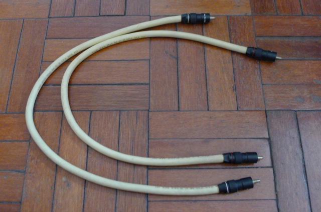 van den Hul M.C. D102 MK III Interconnects (Used) P1150659