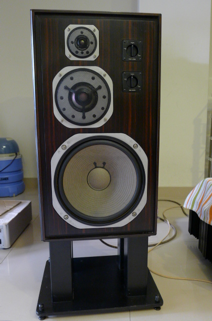 Yamaha Deluxe Version NS-1000 Loudspeakers, Luxury Ebony Wood (Used) SOLD P1150715