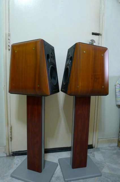 Sonus Faber Concerto Home Bookshelf Loudspeakers with Stands (Used) SOLD P1150731