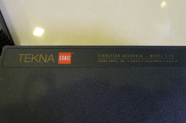 Tekna Sonic Vibration Absorbers Model C-10, 1 Pair (Used) P1150918