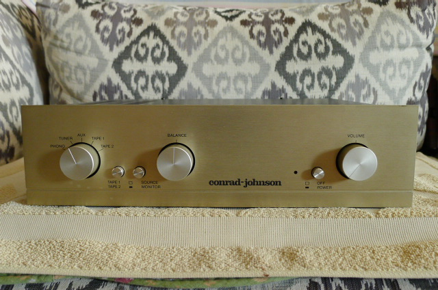 Cornard Johnson PV-7 Vacuum Tube Preamplifier with Phono (Used) P1160113