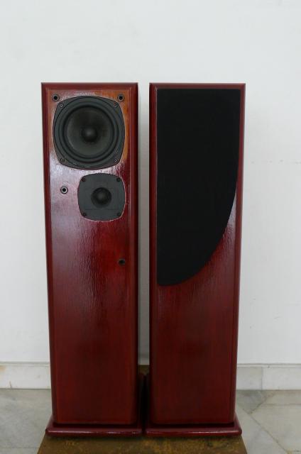 Castle Severn 2 Floorstand Speakers (Used) SOLD P1160236
