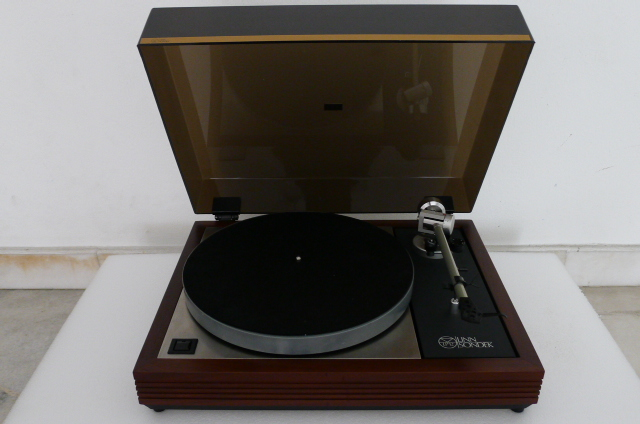 Linn Sondek LP 12 Turntable with Linn Ittok LV II Tonearm (Used) P1160416
