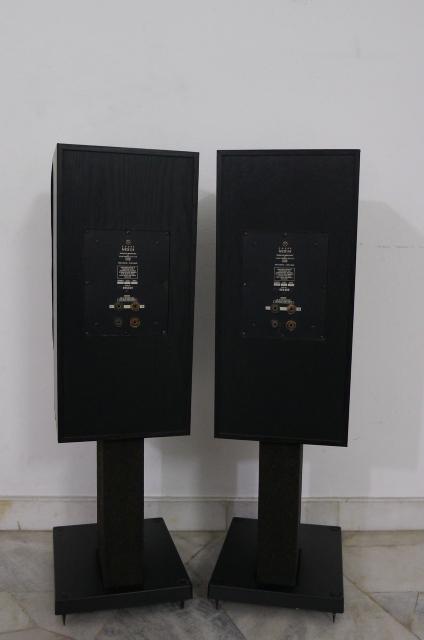 Linn Nexus LS250 Speakers (Used) SOLD P1160611