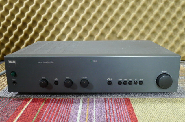 NAD 302 Stereo Integrated Amplifier (Used) SOLD P1160635