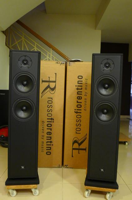 Rosso Fiorentino Elba Gen 2 Floorstand Loudspeakers (Used) P1160664