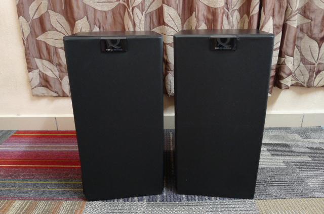 KEF Uni-Q Q60 Bookshelf Speakers (Used) P1160810