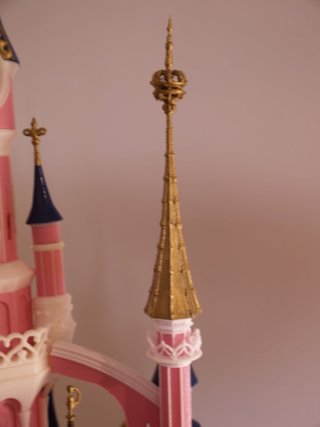 Maquette du château de la Belle au bois dormant de Disneyland Paris - Page 7 _a097917