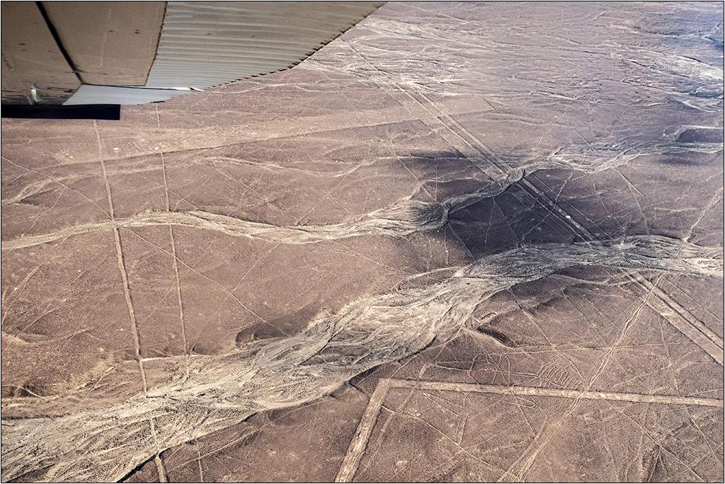 Les lignes de Nazca vues d'avion Dscf3018