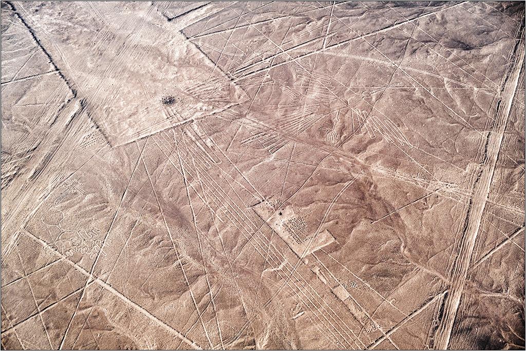 Les lignes de Nazca vues d'avion Dscf3115