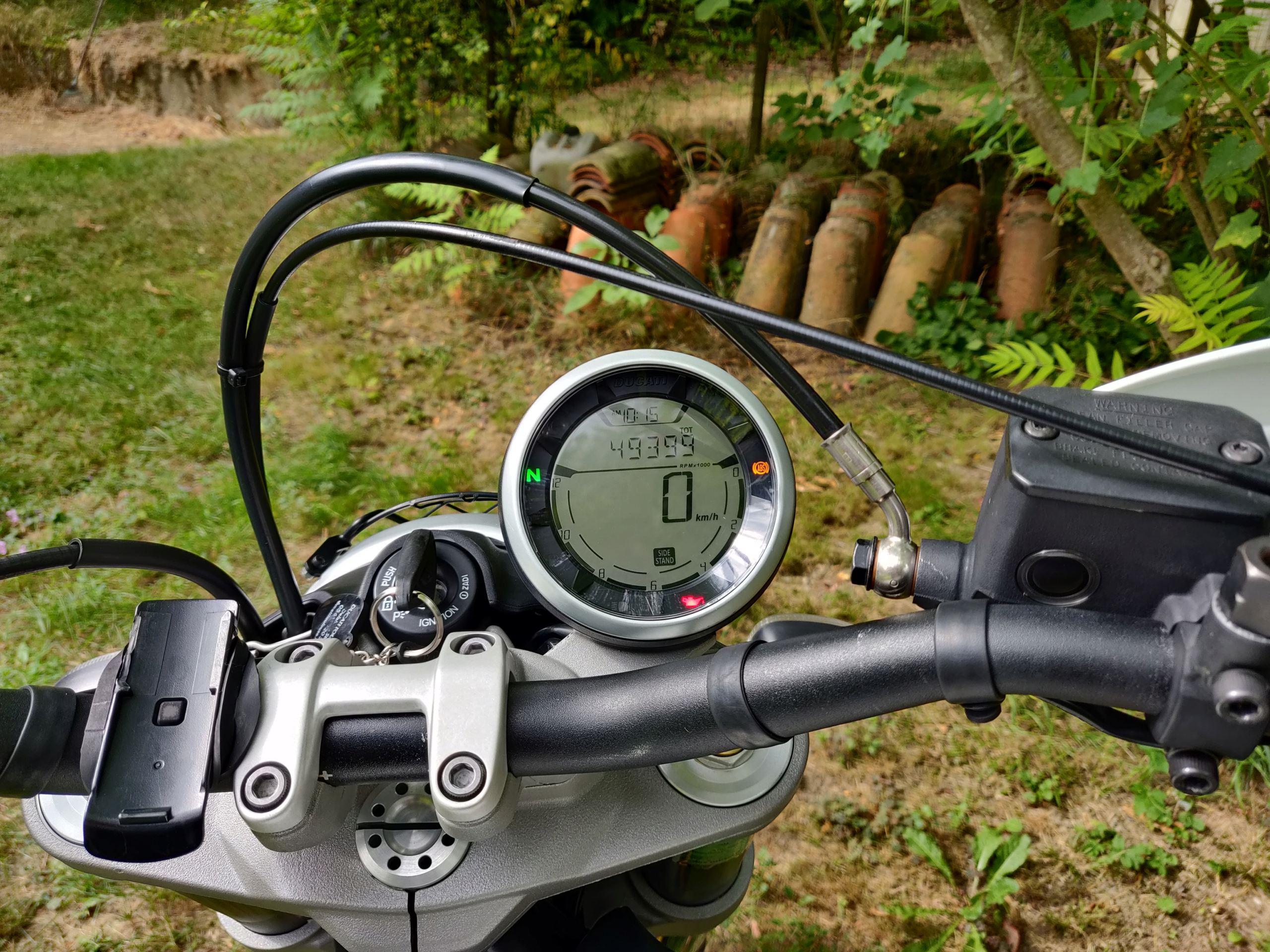 [ vendue ] Ducati scrambler Desert Sled Img_2011