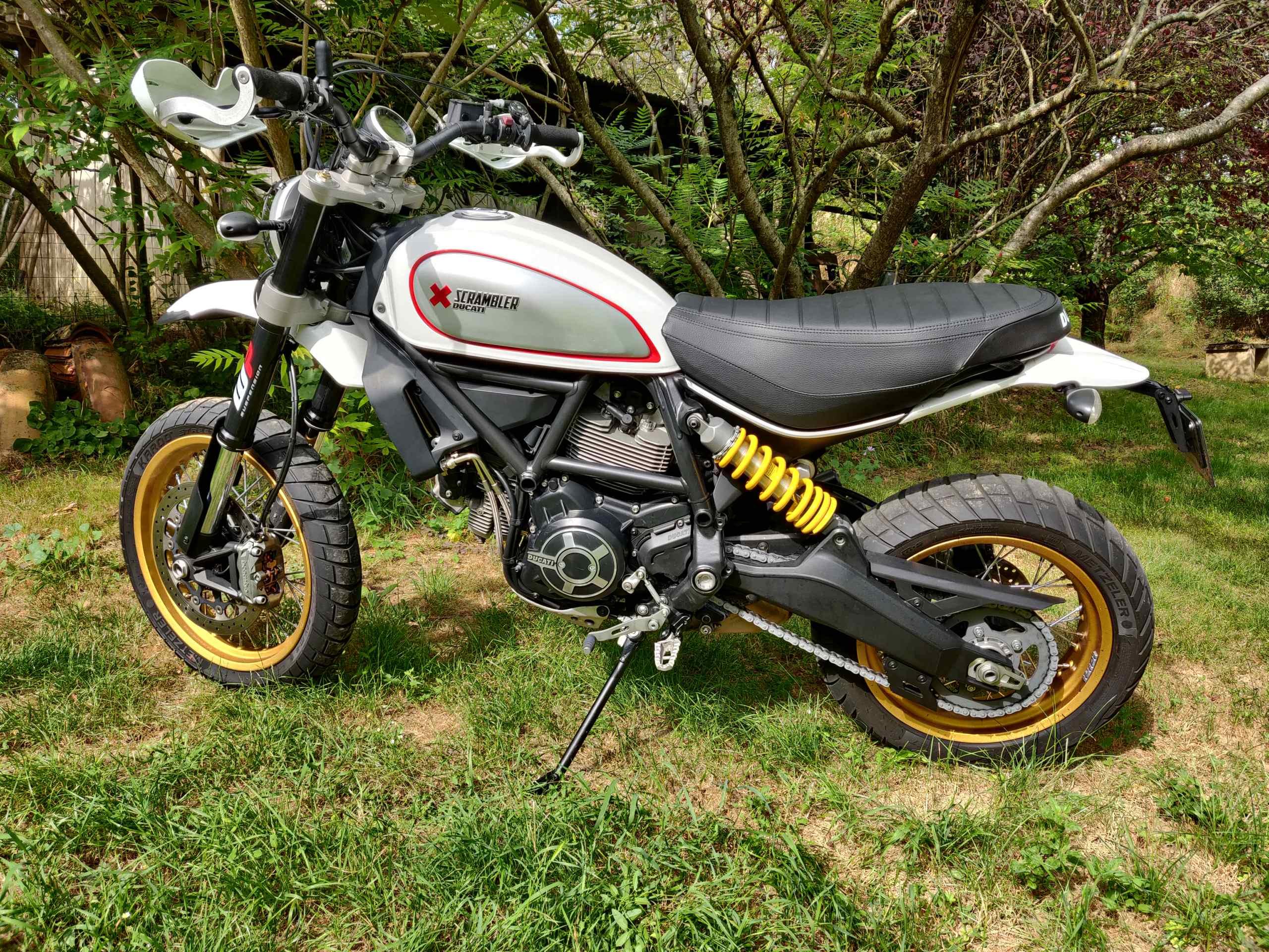[ vendue ] Ducati scrambler Desert Sled Img_2015