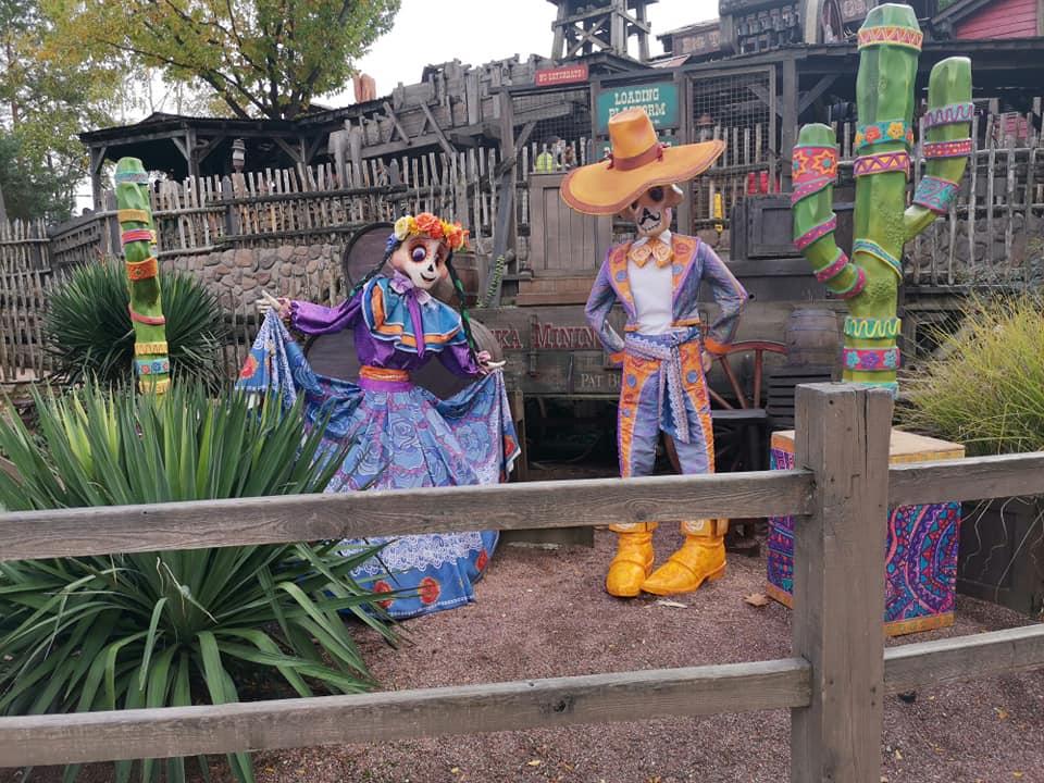 Disney du 3 au 4 octobre pour la saison d'halloween - Page 3 Disne237
